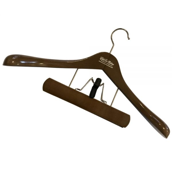 Hanger: Deluxe Suit